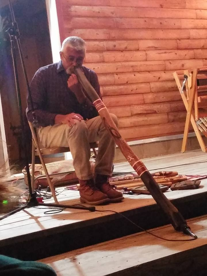 Hawk Henries helped us to greet the stars with his heavenly flute music. Thank you, Hawk!